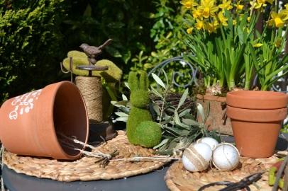 accroche du lien dans le pot de Pâques