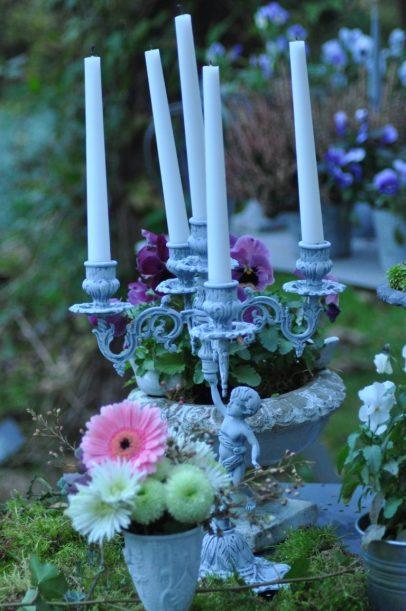 la nuit tombe au jardin chandelier
