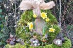 couronne de pâques posée