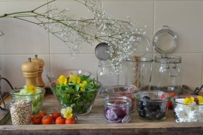 plateau d'ingrédients pour salade