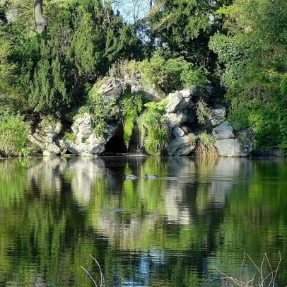 grotte de Bagatelle