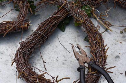 couronne de bouleau et fil de fer