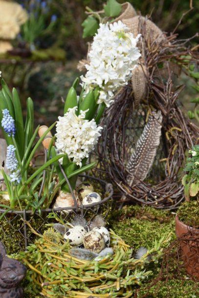 Panier de jacinthes et muscaris