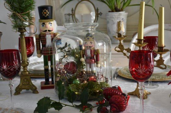 Noel traditionnel rouge et doré