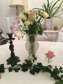 Essais vase, fleurs et bougeoirs