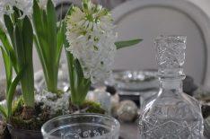 table de fête et jacinthe