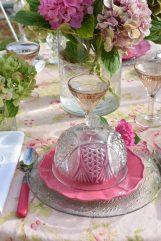 assiettes et cloches aux hortensias